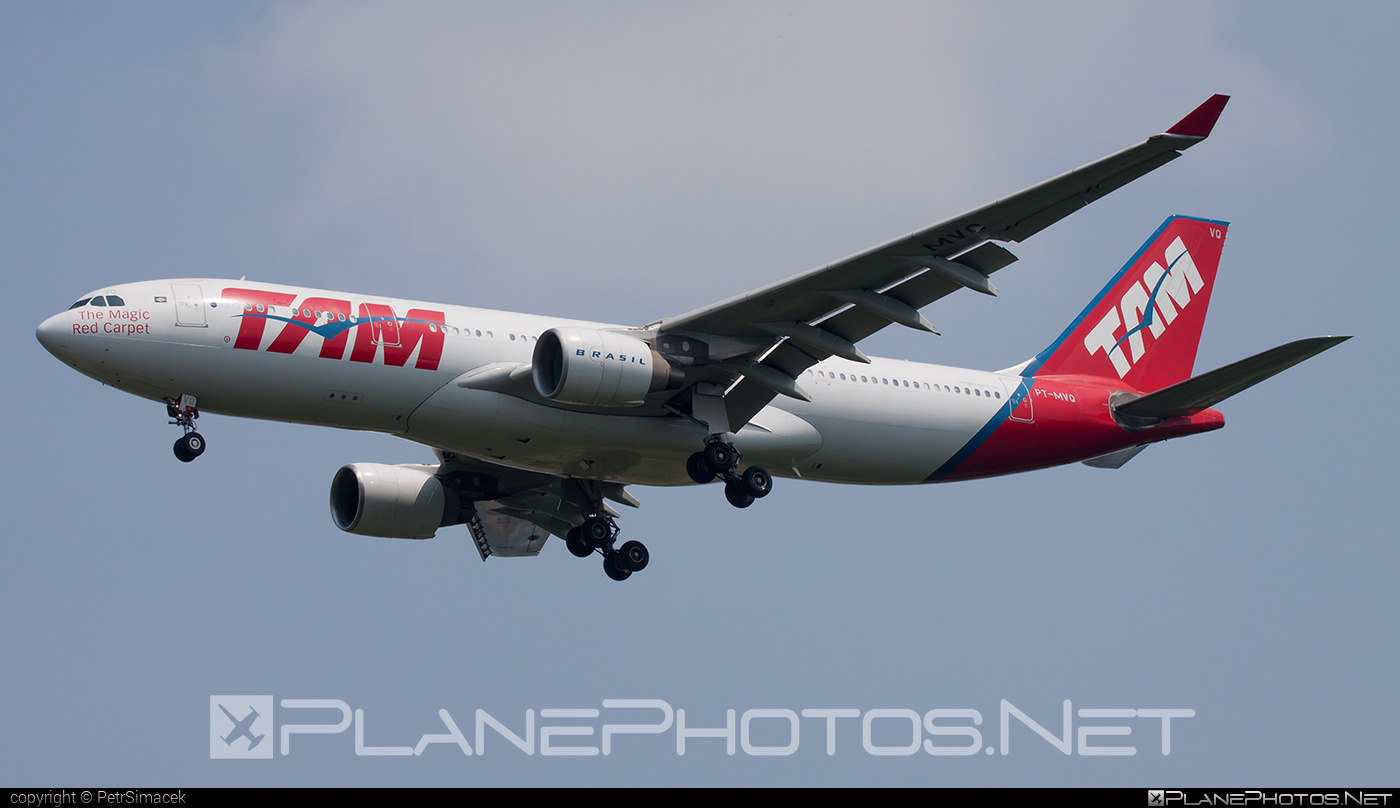 Airbus A330-223 - PT-MVQ operated by TAM Linhas Aéreas #a330 #a330family #airbus #airbus330 #tam #tamairlines #tamlinhasaereas