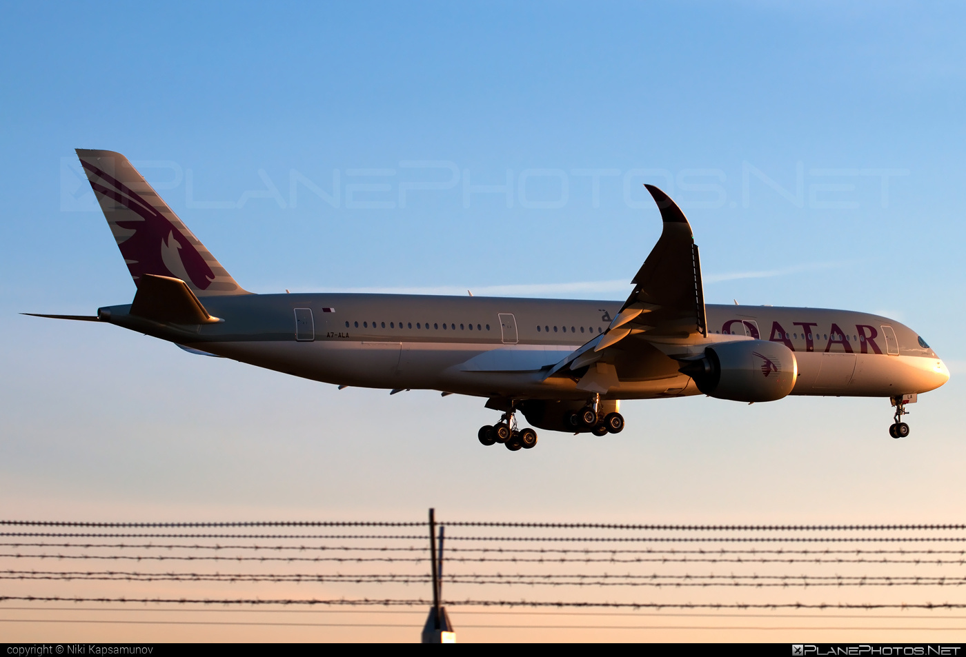 Airbus A350-941 - A7-ALA operated by Qatar Airways #a350 #a350family #airbus #airbus350 #qatarairways #xwb