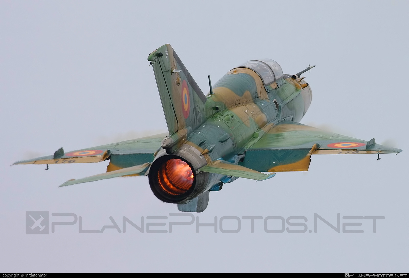 Mikoyan-Gurevich MiG-21UM - 176 operated by Forţele Aeriene Române (Romanian Air Force) #forteleaerieneromane #mig #mig21 #mig21um #mikoyangurevich #romanianairforce