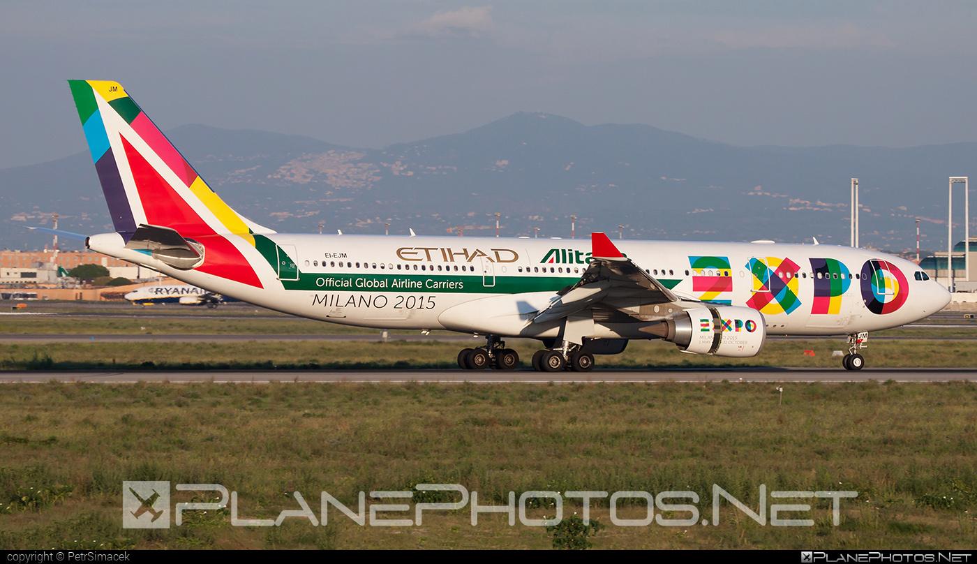 Airbus A330-202 - EI-EJM operated by Alitalia #a330 #a330family #airbus #airbus330 #alitalia