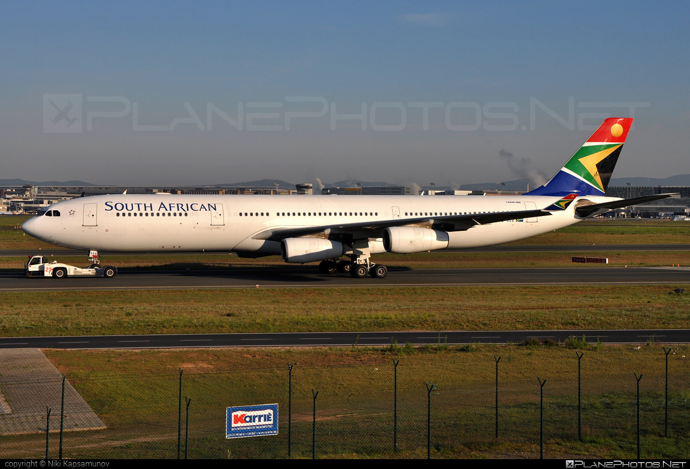 Airbus A340-313E - ZS-SXB operated by South African Airways #a340 #a340family #airbus #airbus340