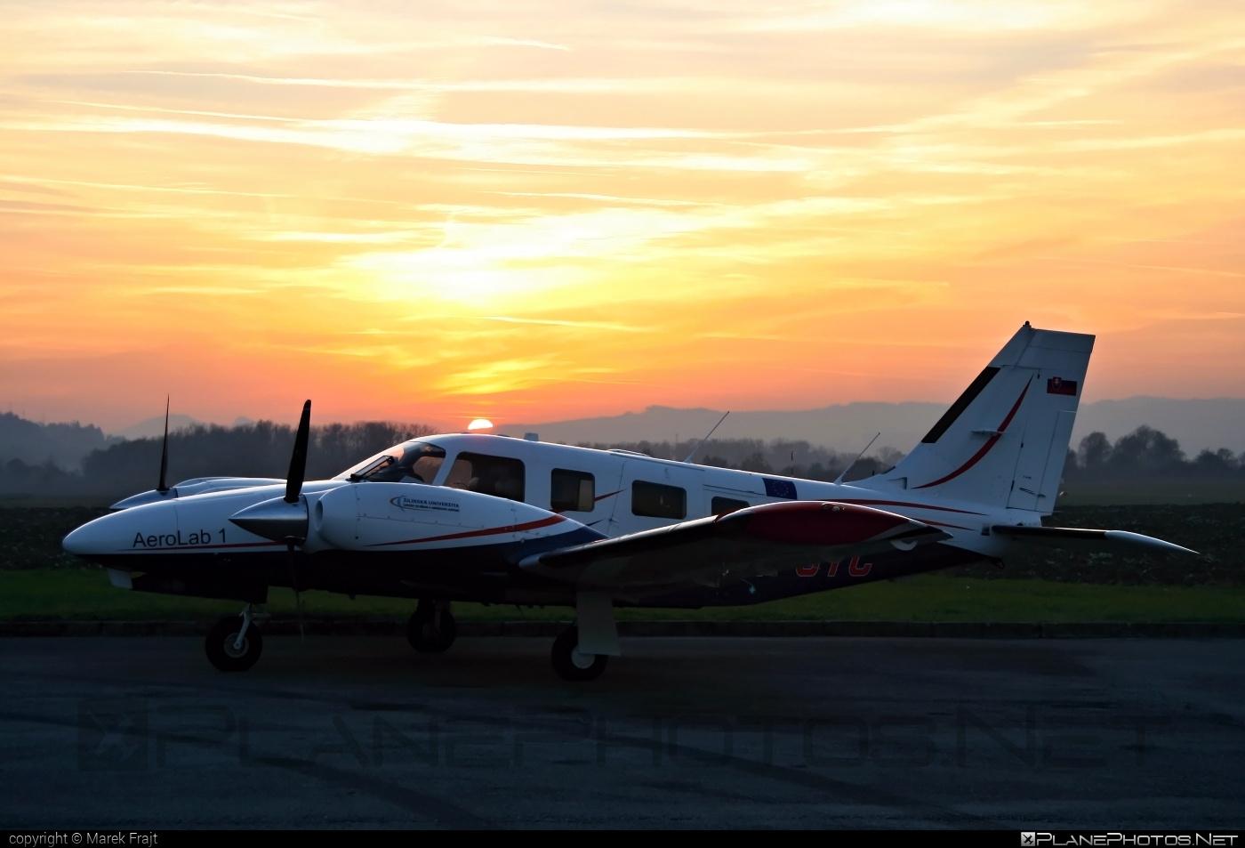 Piper PA-34-220T Seneca V - OM-UTC operated by University of Žilina #piper