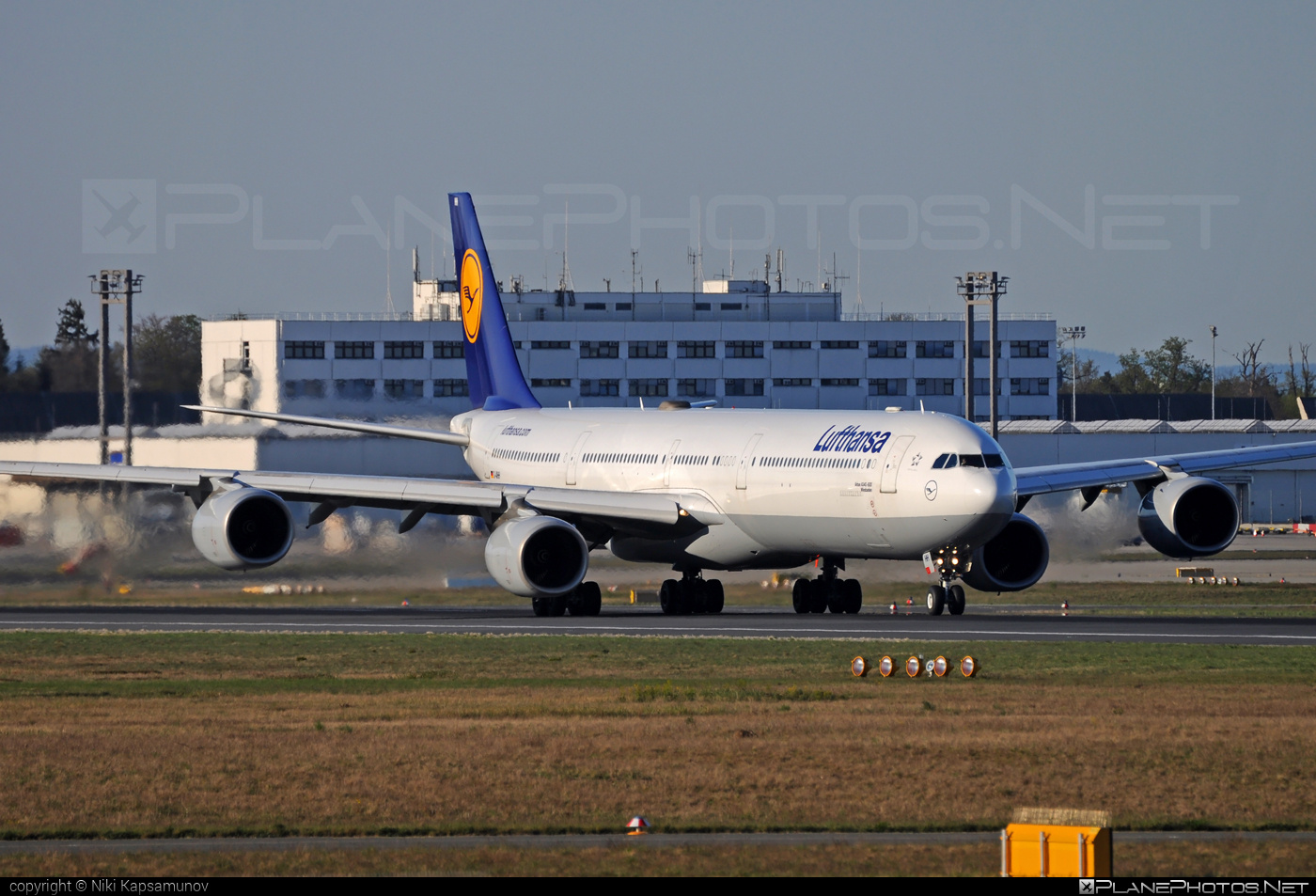Airbus A340-642 - D-AIHH operated by Lufthansa #a340 #a340family #airbus #airbus340 #lufthansa