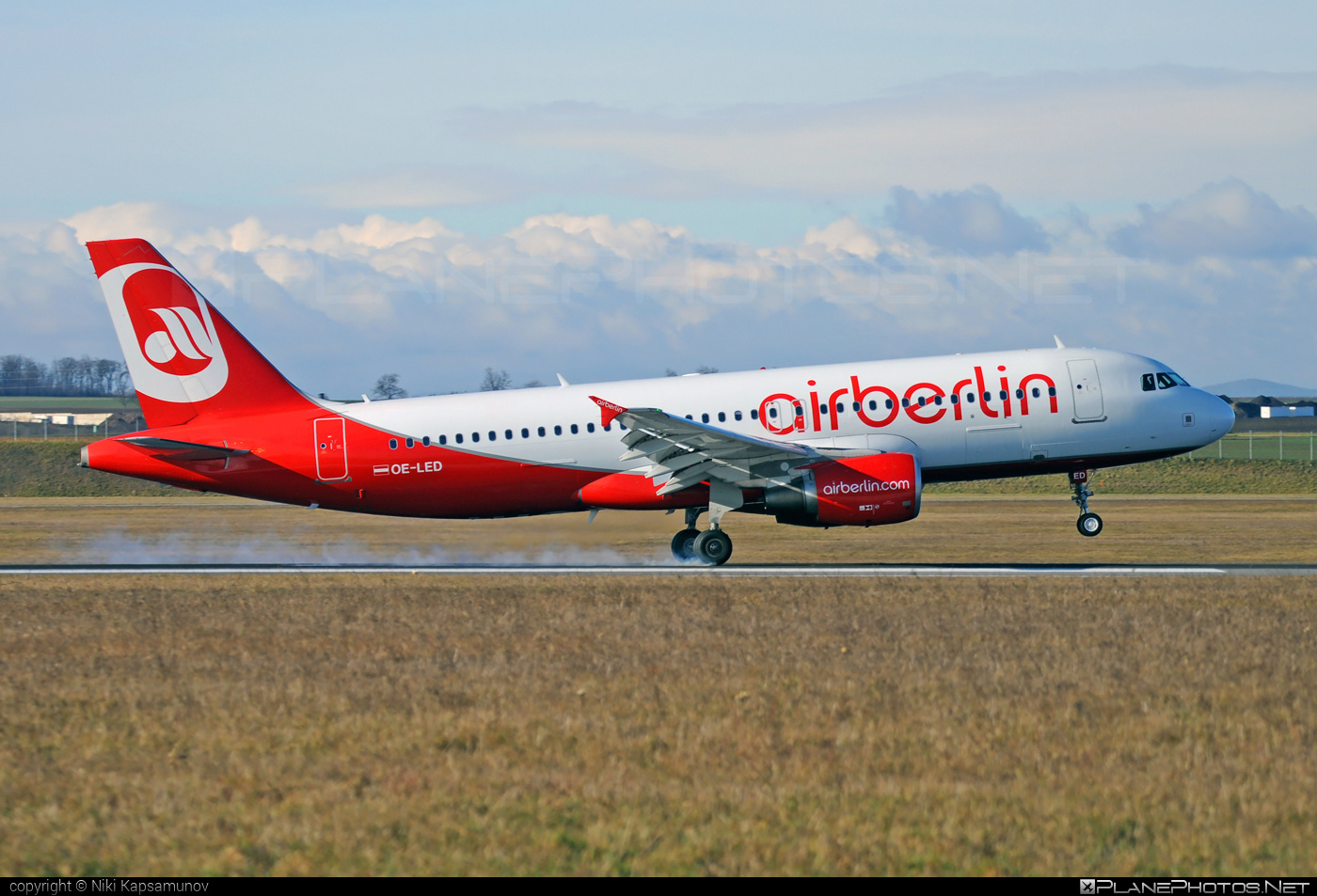 Airbus A320-214 - OE-LED operated by Niki #a320 #a320family #airbus #airbus320 #flyniki #niki