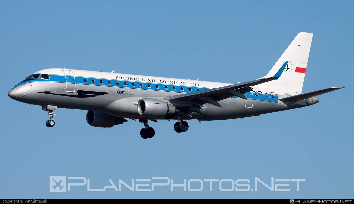 Embraer 170-200LR - SP-LIE operated by LOT Polish Airlines #embraer #lot #lotpolishairlines #retro
