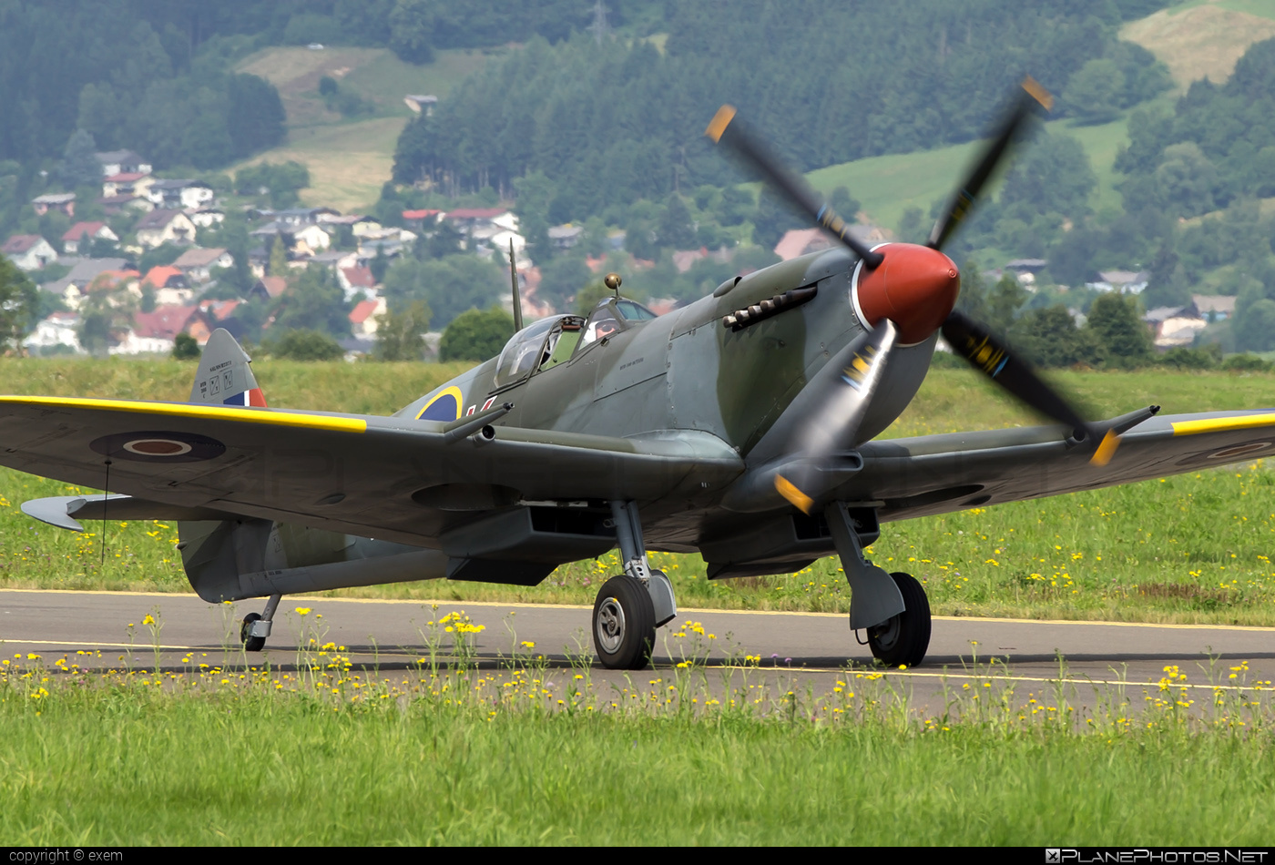 Supermarine Spitfire LF Mk.XVIe - G-MXVI operated by Private operator #airpower #airpower2013 #spitfire #spitfirelfmkxvie #supermarine #supermarinespitfire #supermarinespitfirelfmkxvie