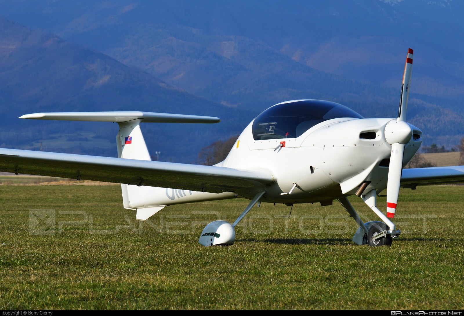 Diamond DA20-C1 Katana - OM-AFH operated by Aerofatra #da20 #da20c1 #da20c1katana #da20katana #diamond
