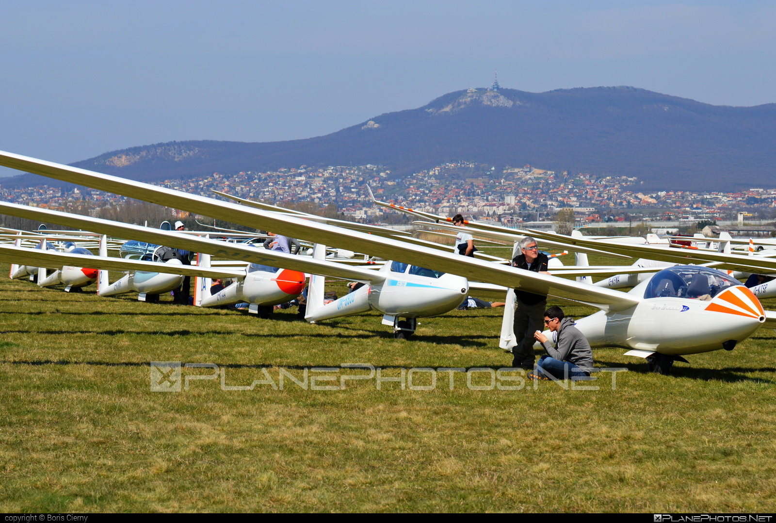 DG Flugzeugbau DG-1000T - OM-8800 operated by Slovenský národný aeroklub (Slovak National Aeroclub) #dgflugzeugbau