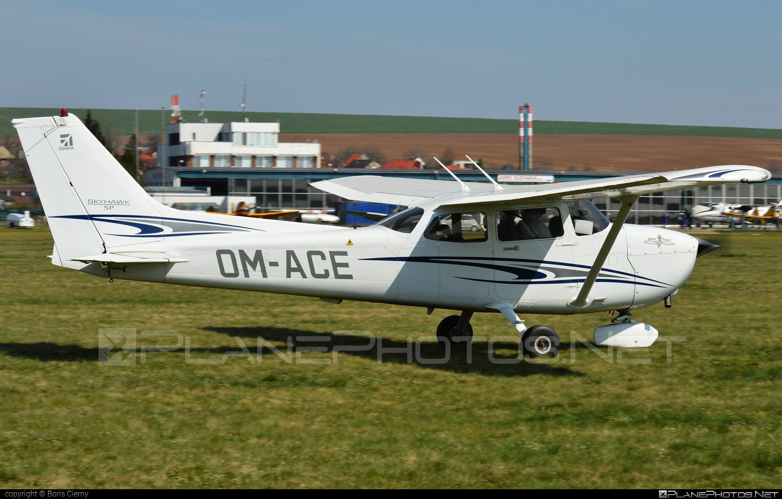 Cessna 172S Skyhawk SP - OM-ACE operated by Private operator #cessna #cessna172 #cessna172s #cessna172skyhawk #cessna172sskyhawk #cessnaskyhawk #cessnaskyhawksp #skyhawksp