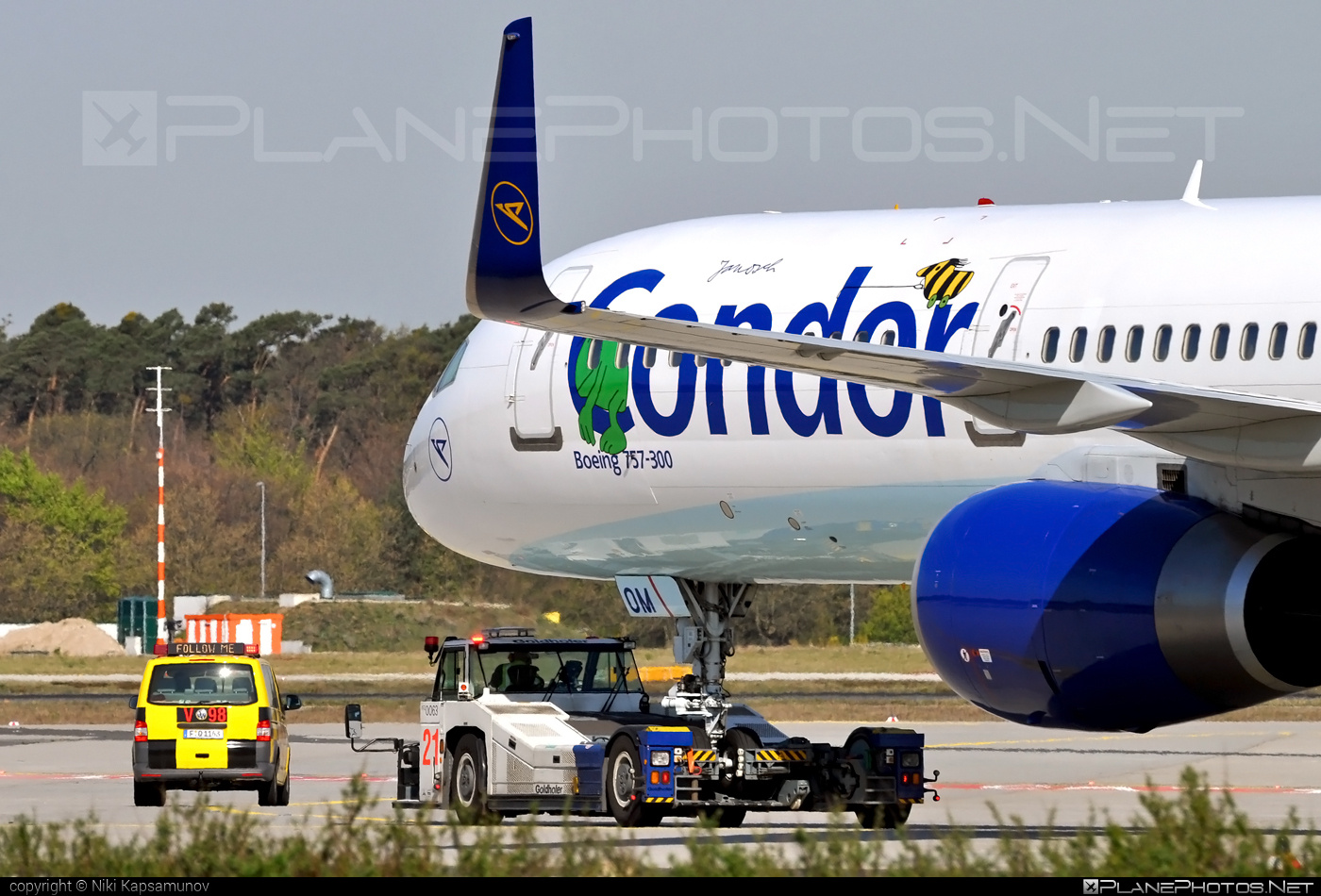 Boeing 757-300 - D-ABOM operated by Condor #b757 #boeing #boeing757