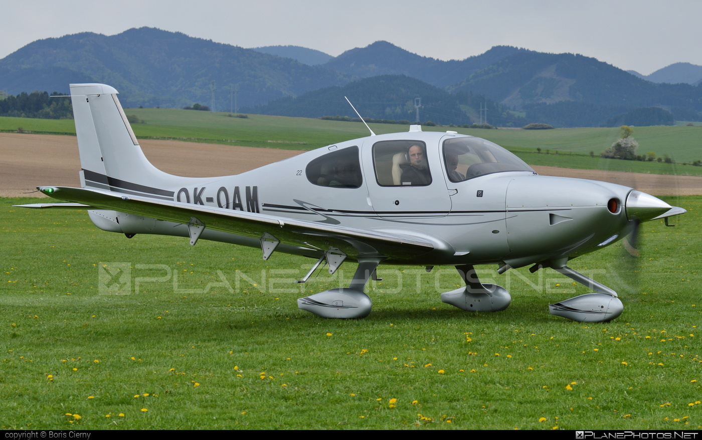 Cirrus SR22 - OK-OAM operated by CB AIR a.s. #cirrus