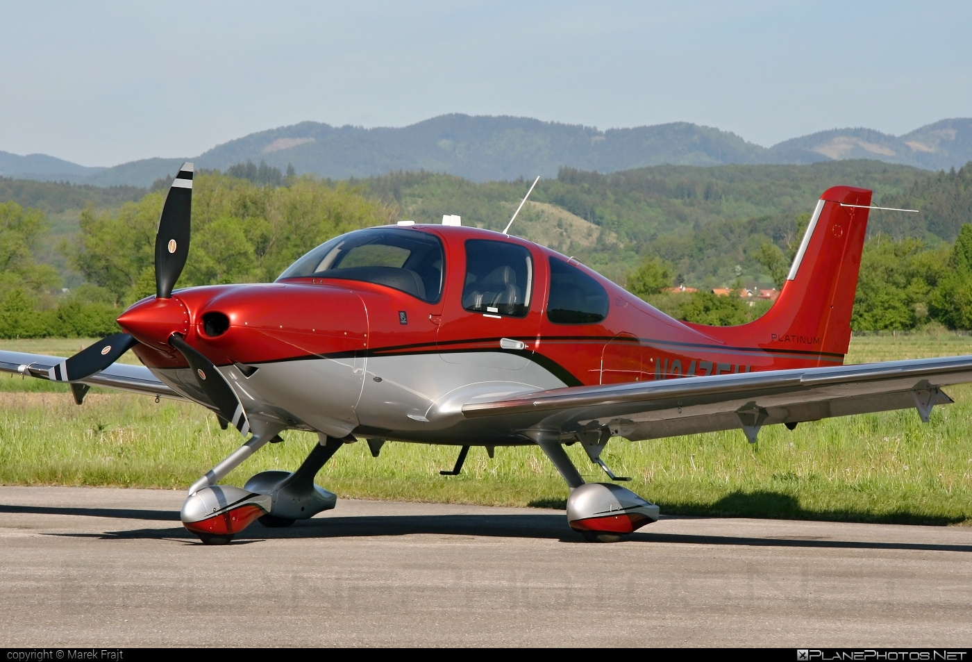 Cirrus SR22T GTS - N247EU operated by Cirrus Design Corporation #cirrus