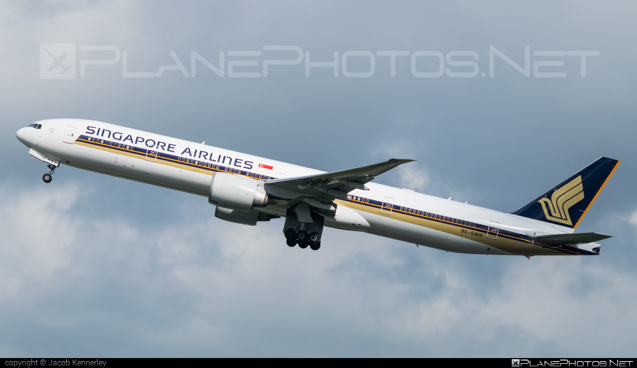 Boeing 777-300ER - 9V-SWN operated by Singapore Airlines #b777 #b777er #boeing #boeing777 #singaporeairlines #tripleseven