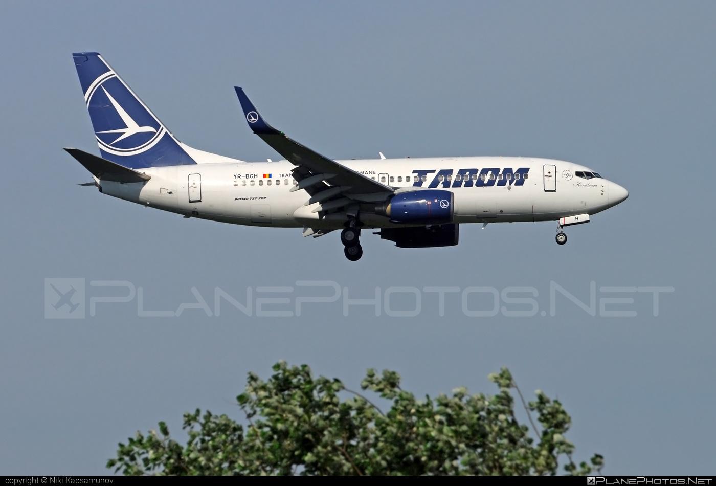 Boeing 737-700 - YR-BGH operated by Tarom #b737 #b737nextgen #b737ng #boeing #boeing737