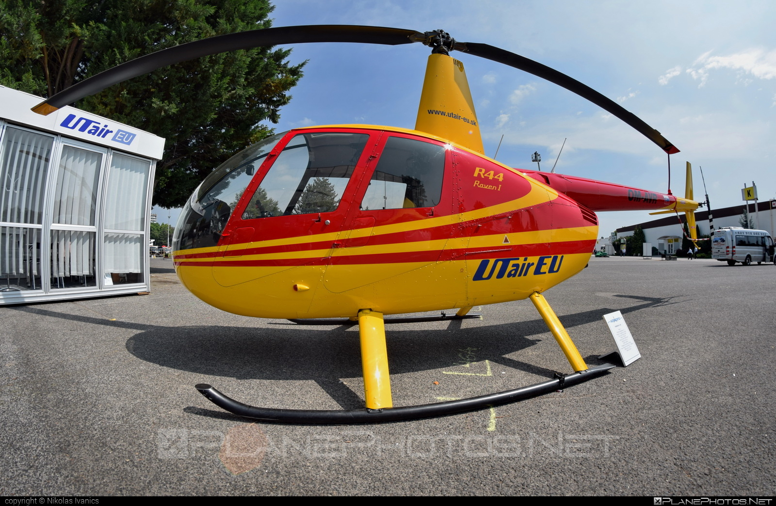Robinson R44 Raven - OM-AVR operated by UTair Europe #robinson #utair #utaireurope