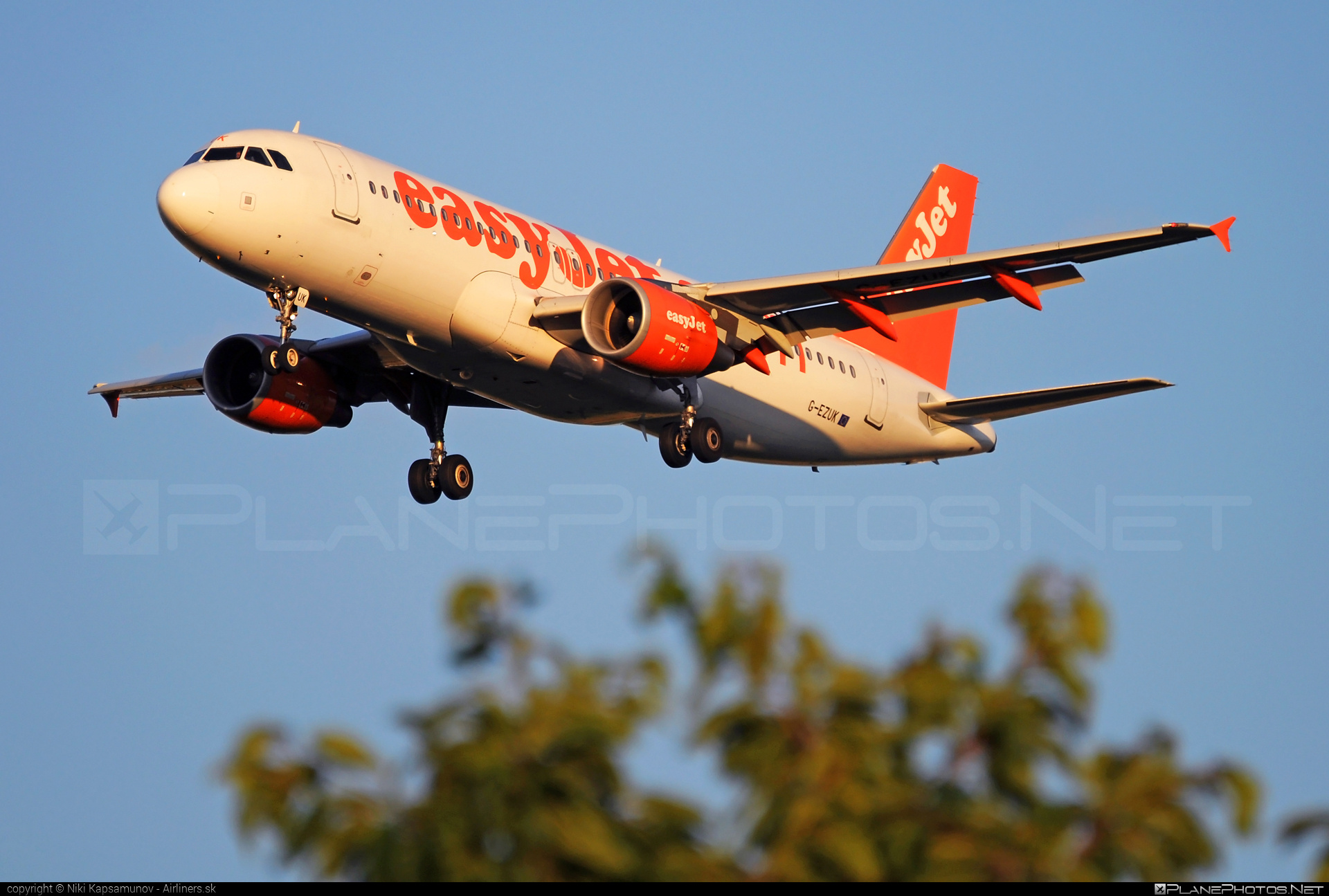 Airbus A320-214 - G-EZUK operated by easyJet #a320 #a320family #airbus #airbus320 #easyjet