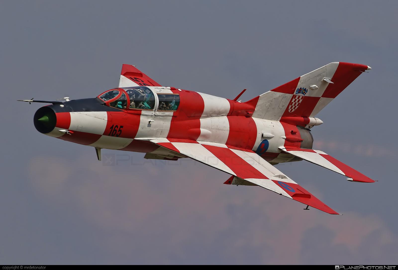 Mikoyan-Gurevich MiG-21UM - 165 operated by Hrvatsko ratno zrakoplovstvo i protuzračna obrana (Croatian Air Force) #mig #mig21 #mig21um #mikoyangurevich