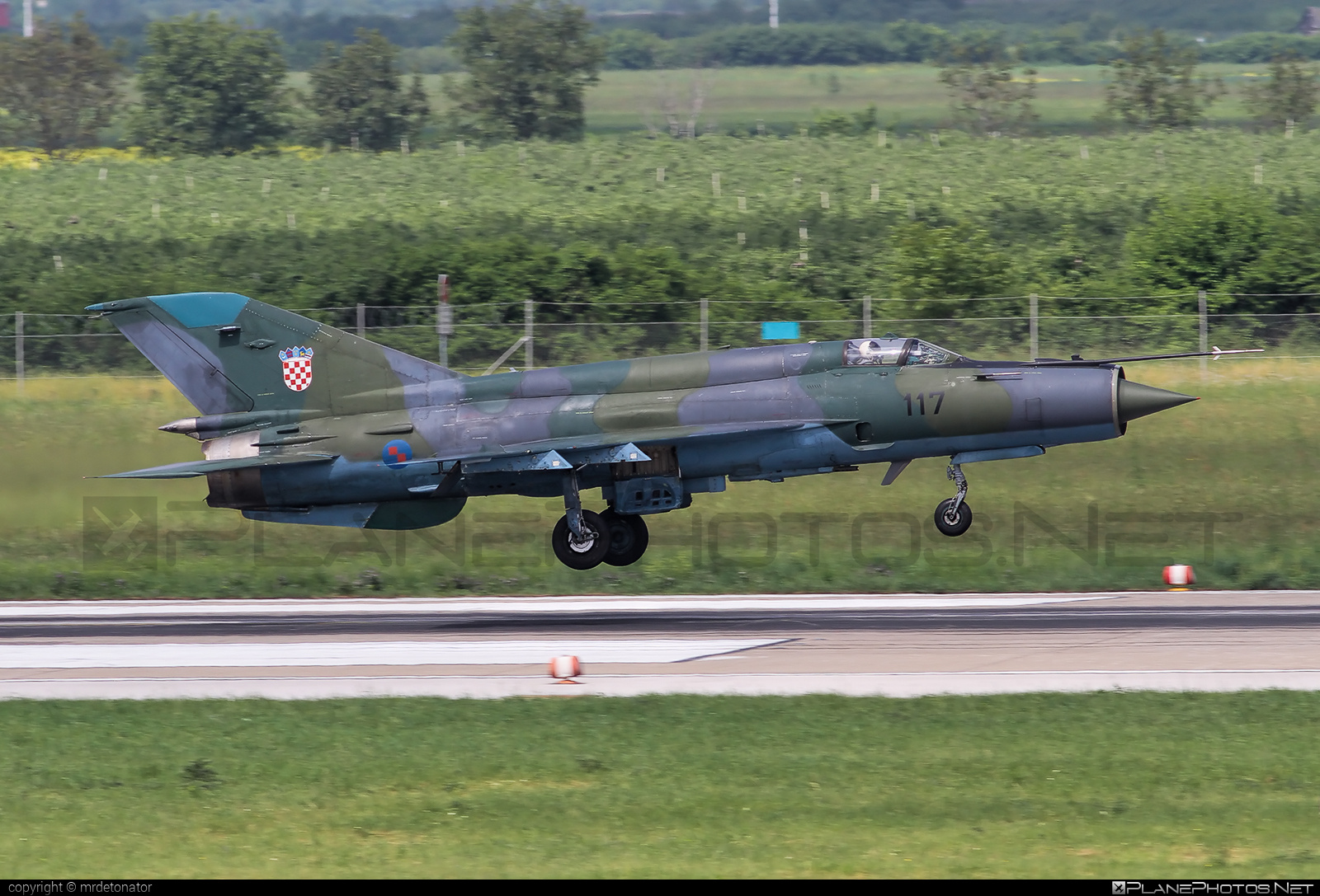 Mikoyan-Gurevich MiG-21bis-D - 117 operated by Hrvatsko ratno zrakoplovstvo i protuzračna obrana (Croatian Air Force) #mig #mig21 #mig21bisd #mikoyangurevich