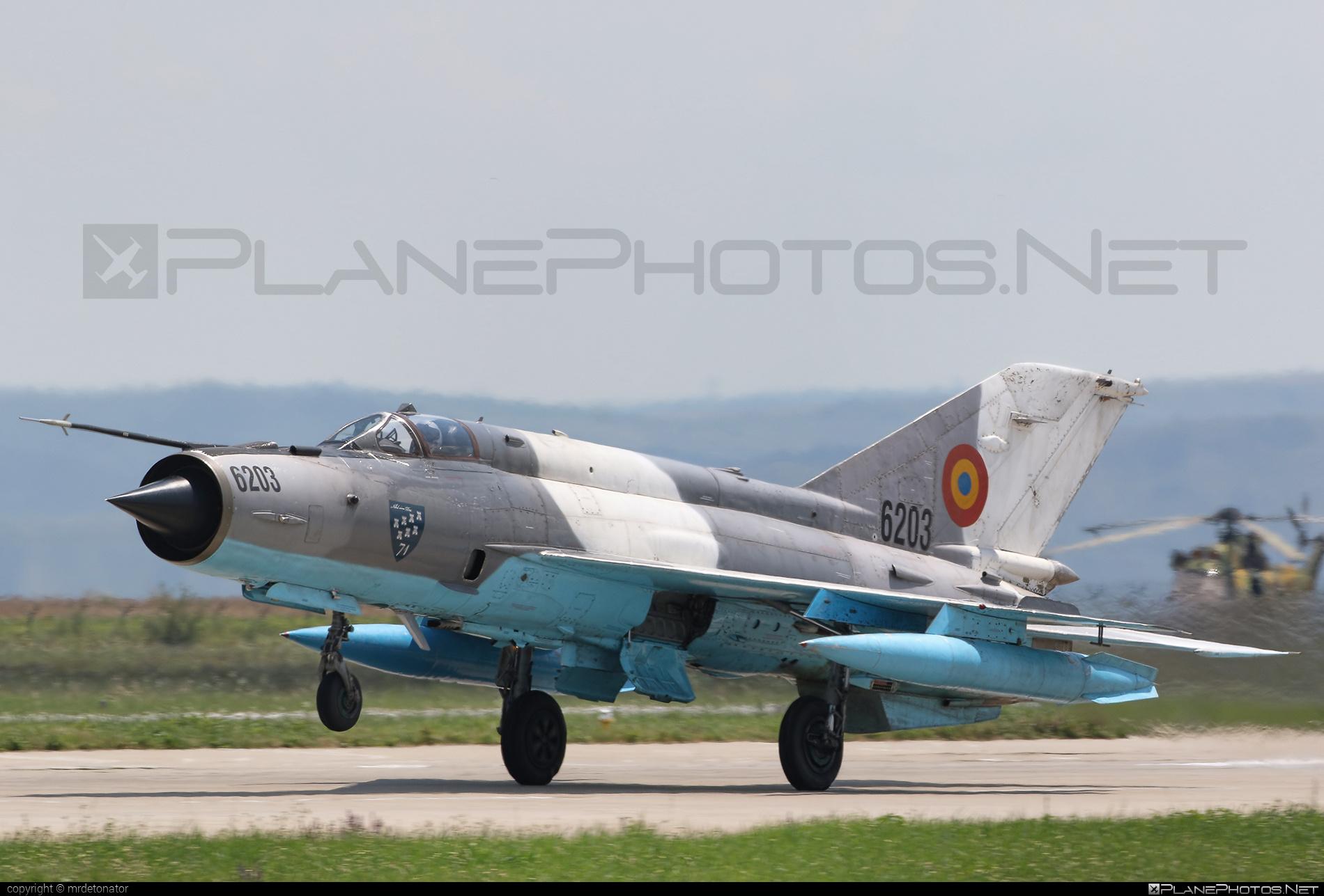 Mikoyan-Gurevich MiG-21MF - 6203 operated by Forţele Aeriene Române (Romanian Air Force) #forteleaerieneromane #mig #mig21 #mig21mf #mikoyangurevich #romanianairforce