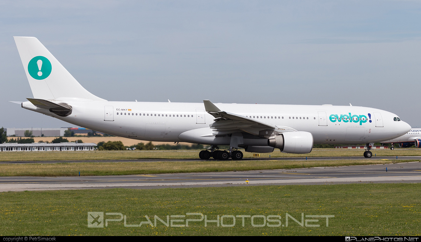 Evelop Airlines Airbus A330-223 - EC-MKT #a330 #a330family #airbus #airbus330