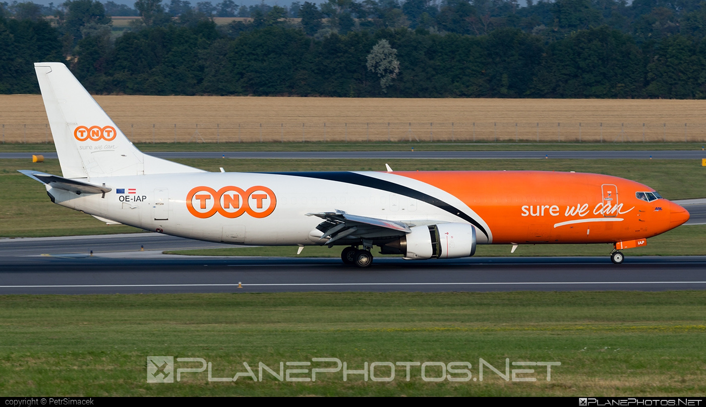 Boeing 737-400SF - OE-IAP operated by TNT Airways #b737 #b737freighter #b737sf #boeing #boeing737