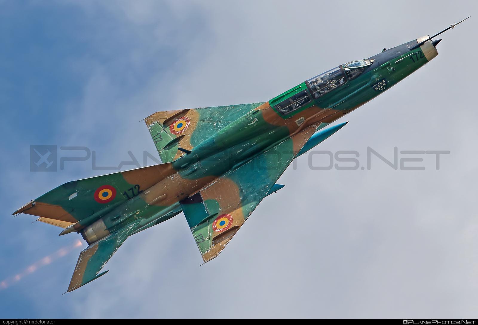 Forţele Aeriene Române (Romanian Air Force) Mikoyan-Gurevich MiG-21UM - 172 #forteleaerieneromane #mig #mig21 #mig21um #mikoyangurevich #romanianairforce
