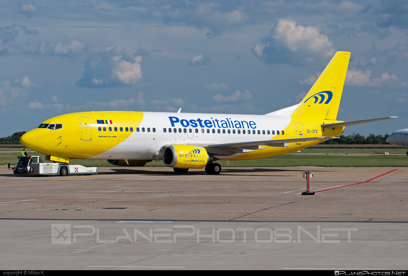 Boeing 737-300 - EI-CFQ operated by Mistral Air #b737 #boeing #boeing737
