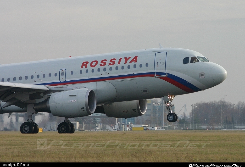 Airbus A319-111 - VQ-BAS operated by Rossiya Airlines #a319 #a320family #airbus #airbus319
