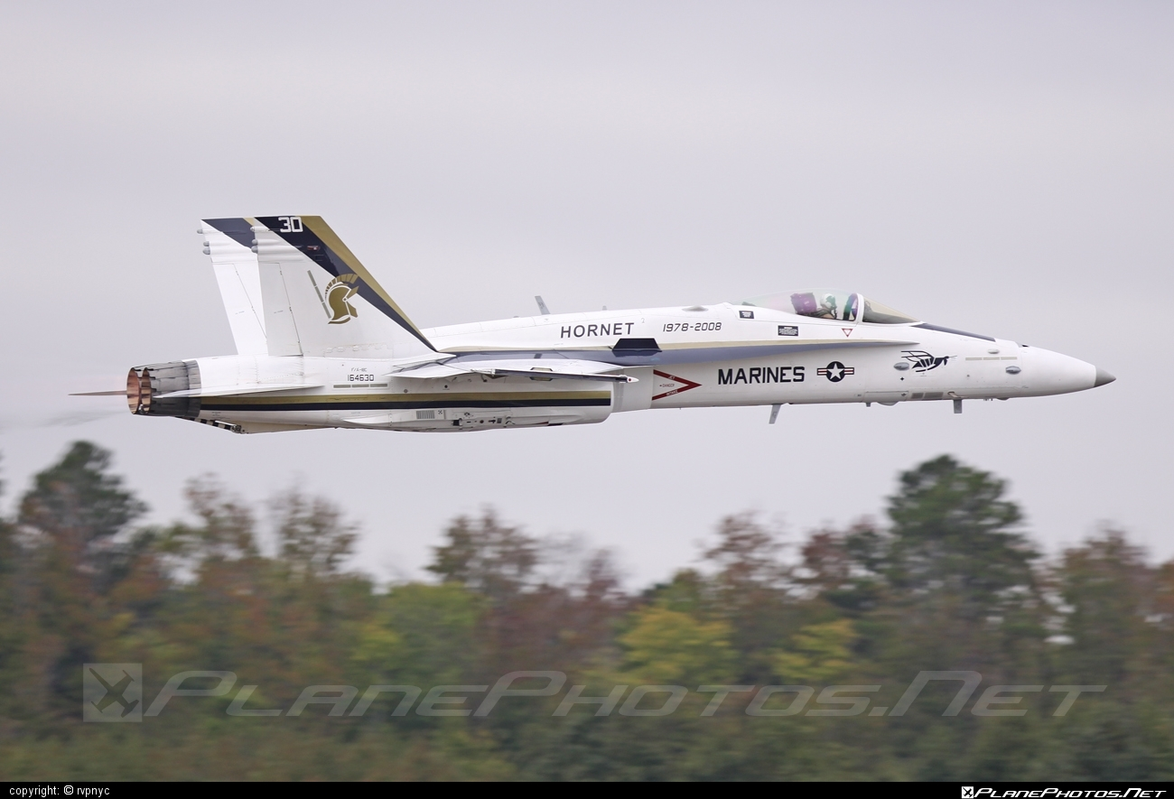 McDonnell Douglas F/A-18C Hornet - 164630 operated by US Navy (USN) #f18 #f18hornet #fa18 #fa18c #fa18hornet #mcdonnelldouglas