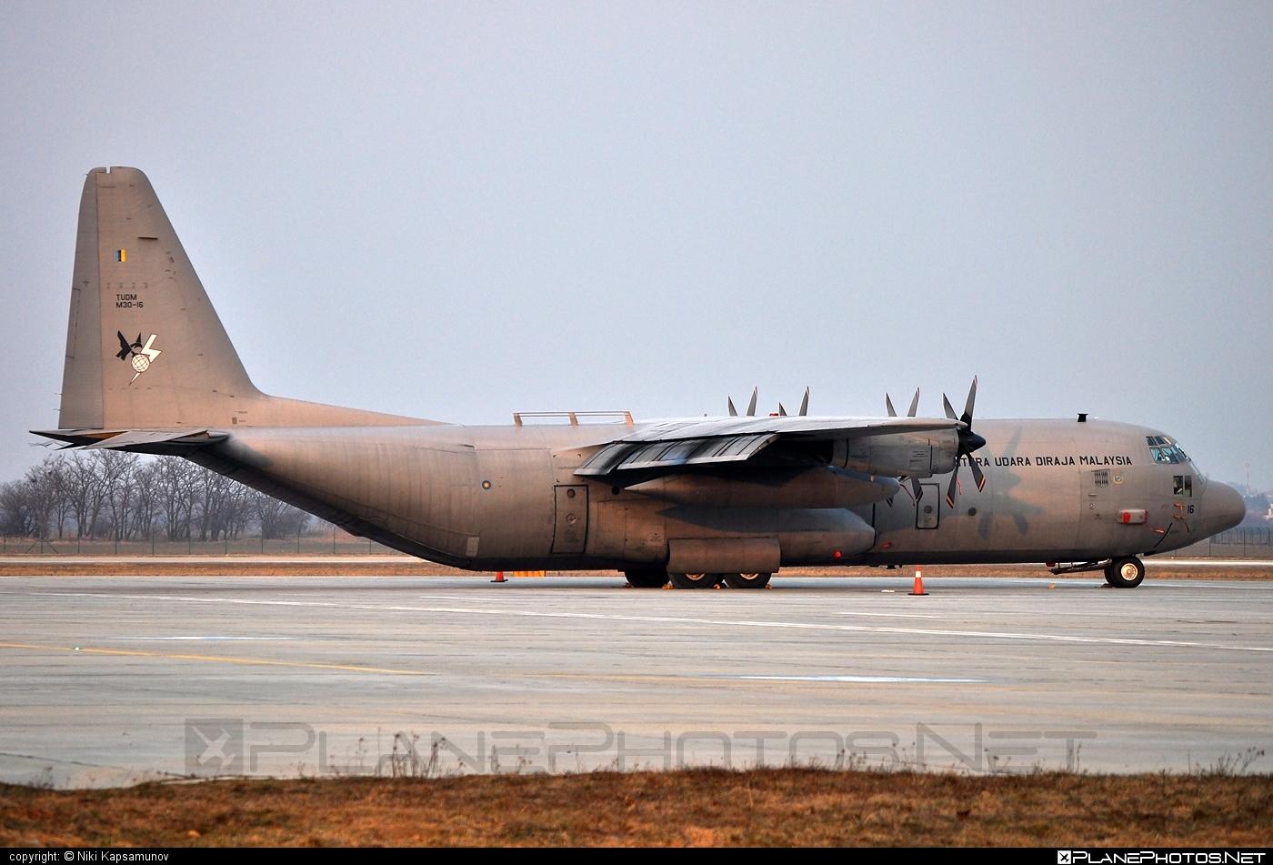 Lockheed C-130H-30 Hercules - M30-16 operated by Tentera Udara Diraja Malaysia (Royal Malaysian Air Force) #lockheed