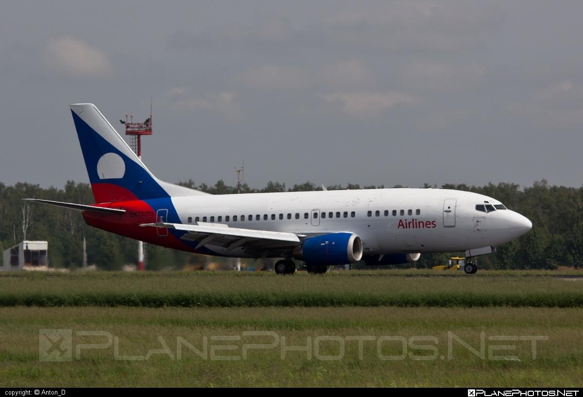 Boeing 737-300 - EK-73771 operated by Armavia #b737 #boeing #boeing737
