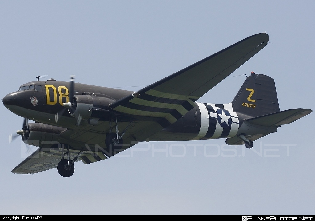Douglas DC-3C Dakota - N15SJ operated by Private operator #douglas