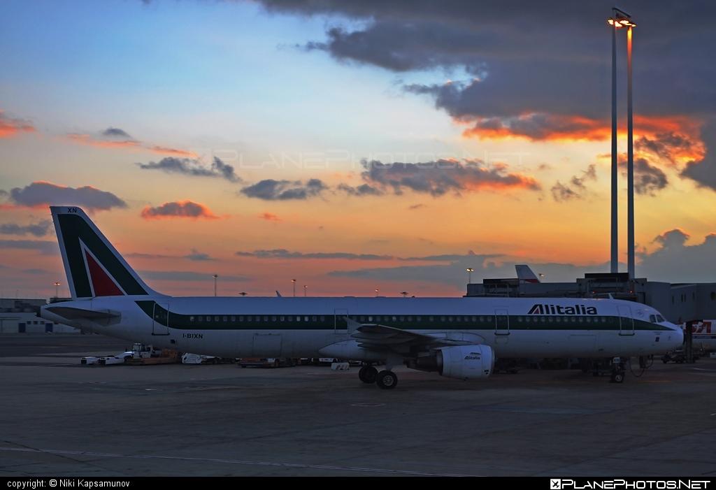 Airbus A321-112 - I-BIXN operated by Alitalia #a320family #a321 #airbus #airbus321 #alitalia