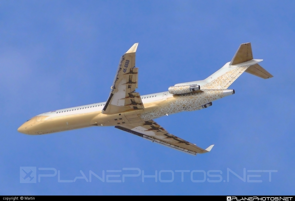 Boeing 727-200 Advanced - 4K-8888 operated by SW Business Aviation #b727 #boeing #boeing727