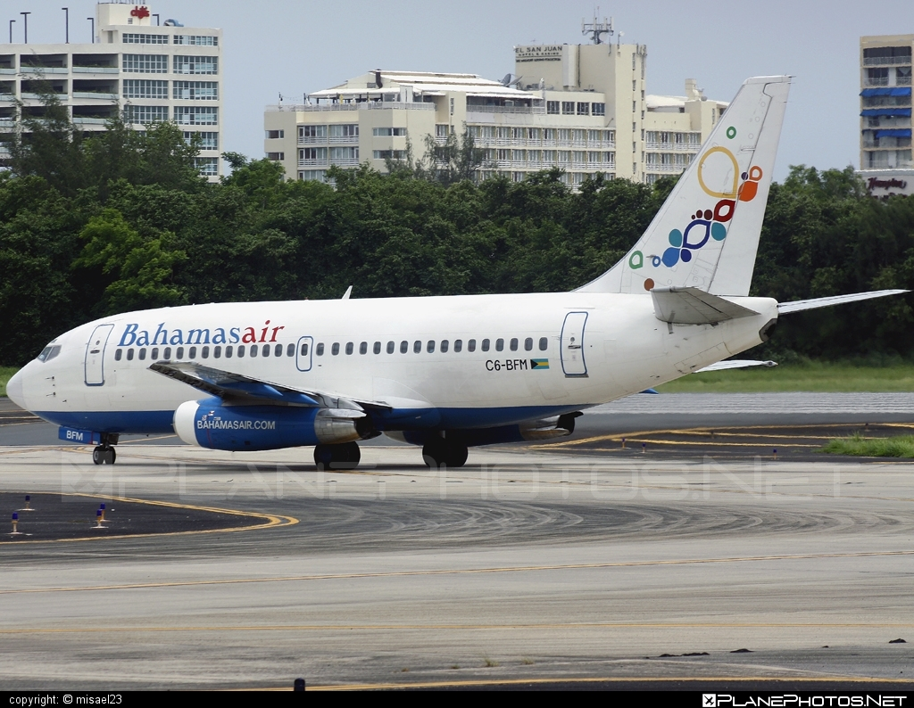 Boeing 737-200 - C6-BFM operated by Bahamasair #b737 #boeing #boeing737