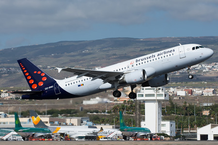 Airbus A320-214 - OO-SND operated by Brussels Airlines