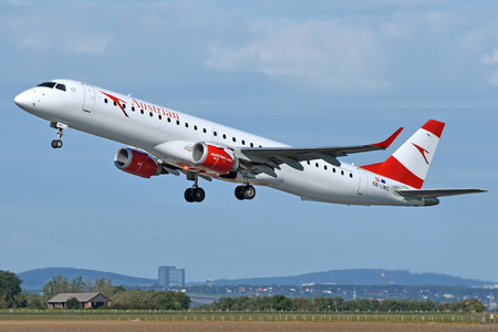 Embraer E195LR (ERJ-190-200LR) - OE-LWC operated by Austrian Airlines