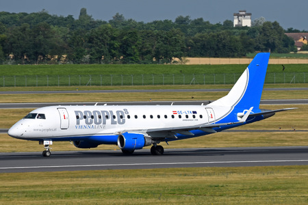 Embraer E170STD (ERJ-170-100STD) - OE-LTK operated by People`s Viennaline