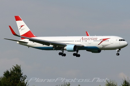 Boeing 767-300ER - OE-LAX operated by Austrian Airlines