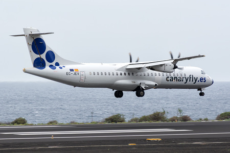ATR 72-212A - EC-JEV operated by Canaryfly