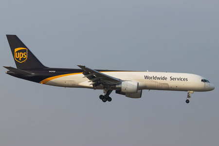 Boeing 757-200PF - N429UP operated by United Parcel Service (UPS)