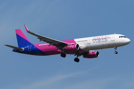 Airbus A321-231 - HA-LXU operated by Wizz Air