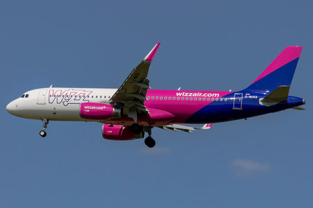 Airbus A320-232 - G-WUKB operated by Wizz Air UK