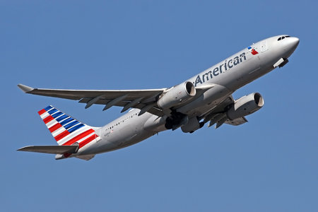 Airbus A330-243 - N288AY operated by American Airlines