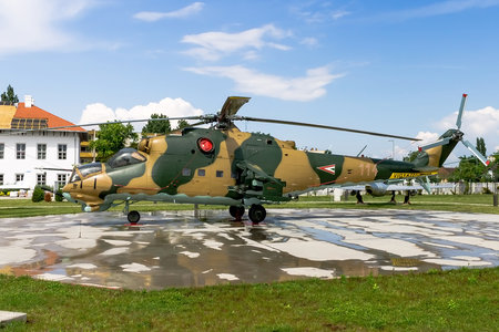 Mil Mi-24D - 114 operated by Magyar Légierő (Hungarian Air Force)