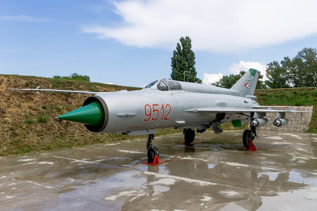Mikoyan-Gurevich MiG-21MF - 9512 operated by Magyar Légierő (Hungarian Air Force)