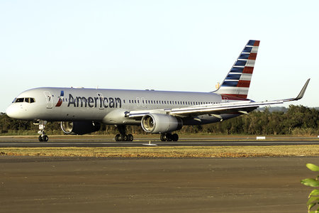 Boeing 757-200 - N191AN operated by American Airlines