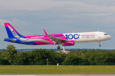 Airbus A321-231 - HA-LTD operated by Wizz Air