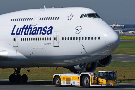 Boeing 747-400 - D-ABVP operated by Lufthansa