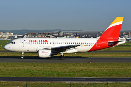 Airbus A319-111 - EC-MFO operated by Iberia